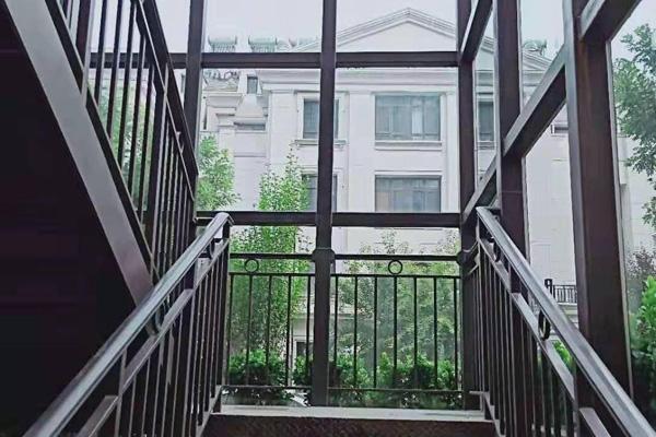钢结构楼梯2